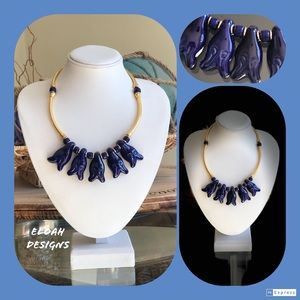 Jewelry - Vintage blue & gold 💯 statement necklace